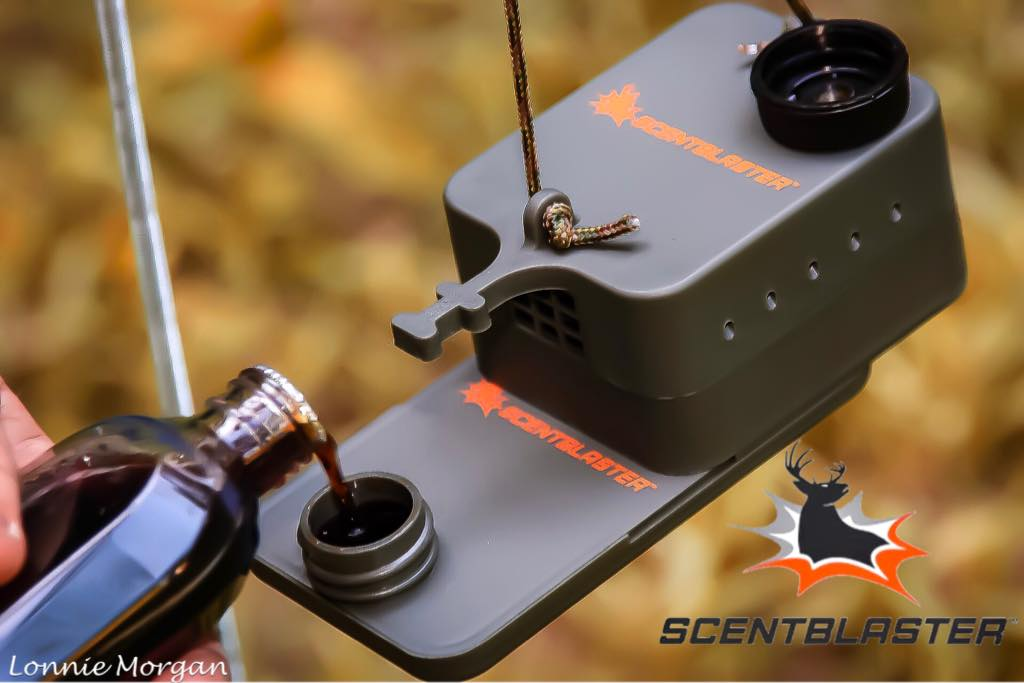 Filling ScentContainer with hunting scent